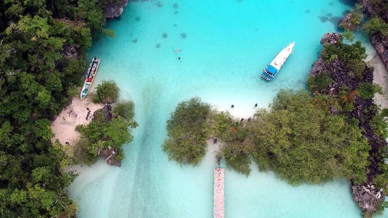 Foto Drone Pulau Bair, Kepulauan Kei, Maluku Tenggara