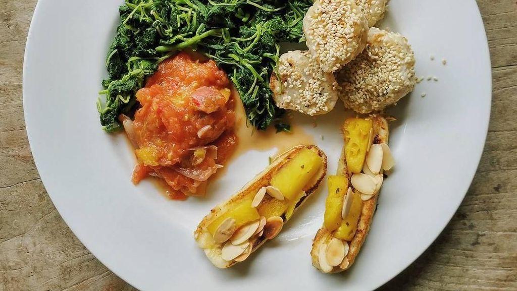 Menu Diet Sehat Ala Hughes Hingga Pose Brandon Salim Nyicip Sushi