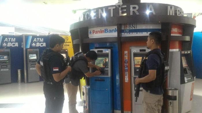 Polisi sisir mesin ATM di Tangsel untuk mencegah kasus pembobolan ATM bermodus skimming