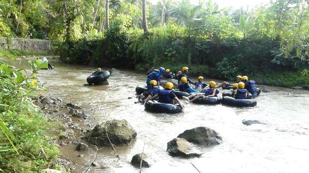 Wisata Sungai Kedawung, Banjarnegara.
