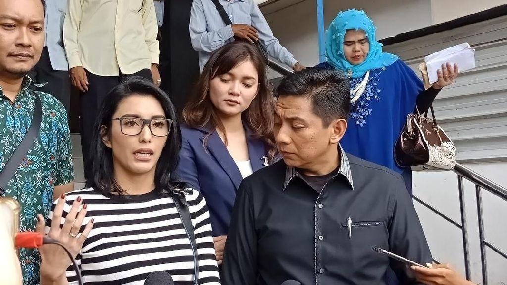 Dituduh Culik Anak, Artis Tyas Mirasih Lapor Polisi