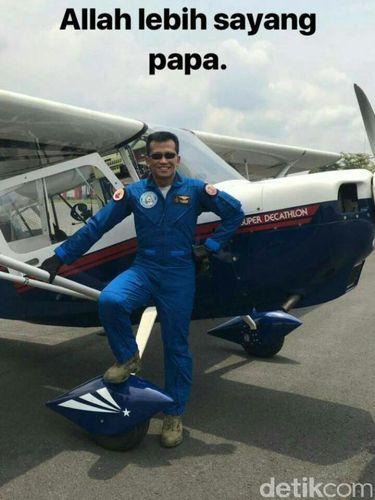 Swafoto Terakhir Pilot Hanafie sebelum Pesawat Kecelakaan di Cilacap