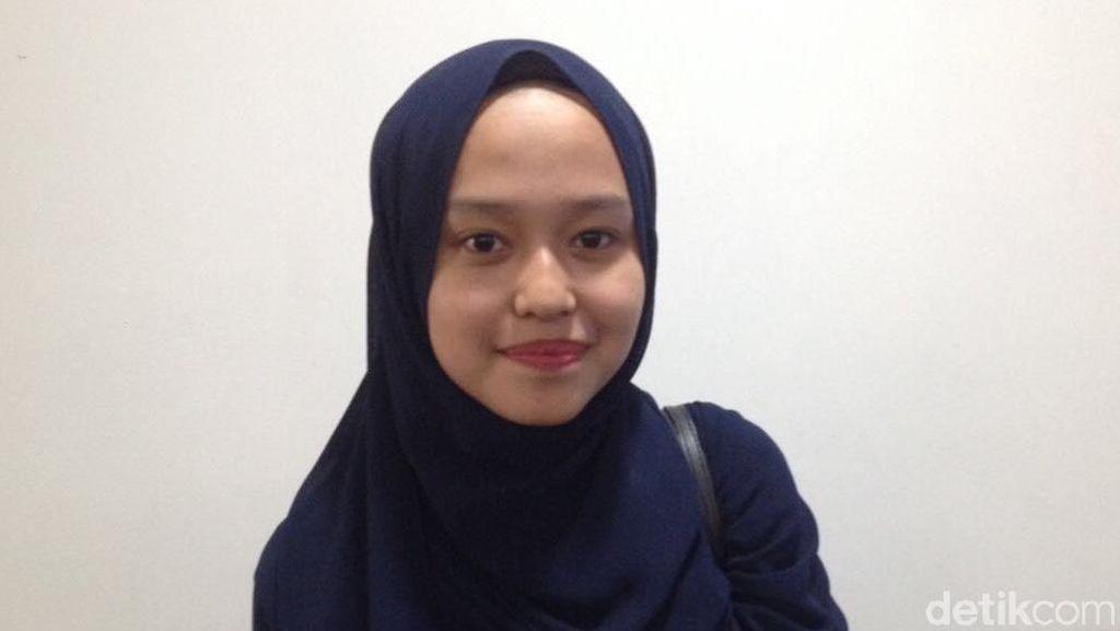 Jauh-jauh dari Padang, Wanita Ini Cari Kerja ke Senayan