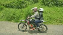 Berjaket Kulit, Rini Soemarno Dibonceng Polisi Pakai Motor Trail
