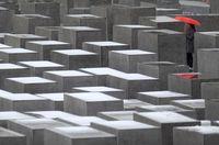 Dear Syahrini, Ini Lho Cerita Monumen Holocaust Berlin