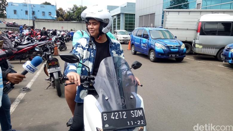 Jual Mobil & Isu Bangkrut, Billy Syahputra: Saya Terima Aja
