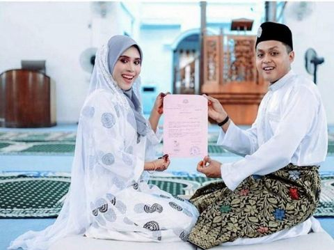 Akad pernikahan Badriyah dan