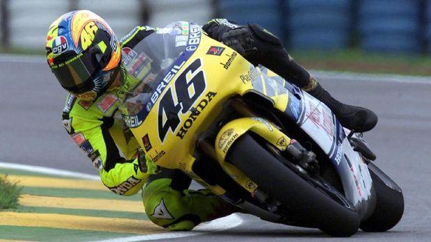 Rossi Berharap Bisa Lawan Marquez Ketika Masih Muda