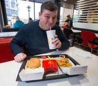 Pria Ini Makan <i>Fried Chicken</i> McD Tiap Hari Selama Hampir 25 Tahun