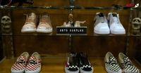 Ragam sepatu branded yang di-remake