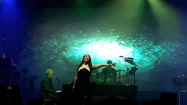 David Foster Hipnotis Surabaya dengan Lagu Nostalgia