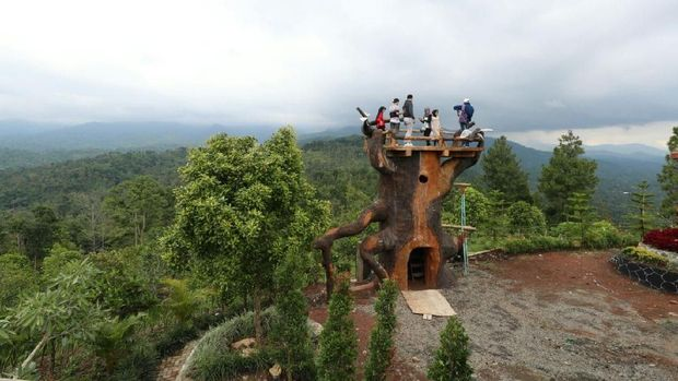 Hasil gambar untuk Bukit Gandrung