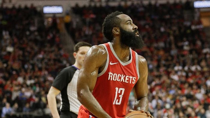 James Harden beraksi bersama Rockets (Foto: Bob Levey/Getty Images)
