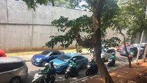 Ada Demo di DPR, Jalan Gatot Subroto Arah Slipi Macet