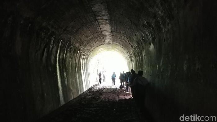 Ilustrasi terowongan, yang kerap dilihat orang yang mati suri. Foto: Tri Ispranoto/detikTravel