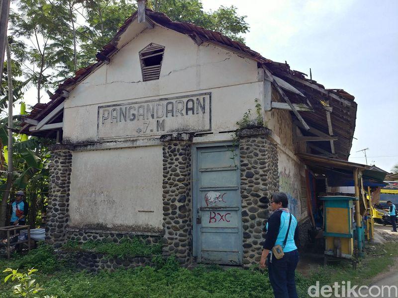 Inilah jalur kereta api yang mati di Kabupaten Pangandaran. detikTravel telah menyusurinya, cantik! (Tri Ispranoto/detikTravel)