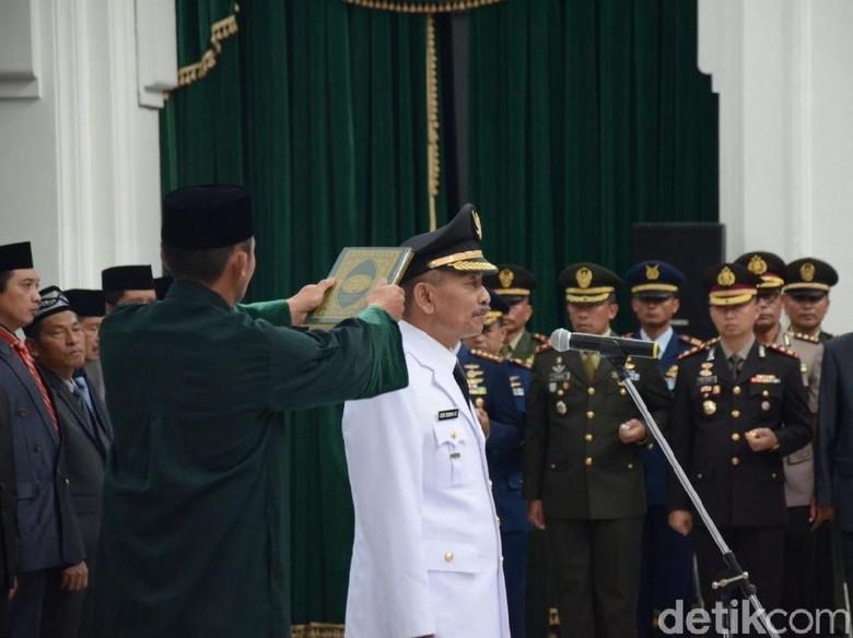 Gubernur Lantik Plt Bupati Subang Ganti Imas yang Ditahan KPK