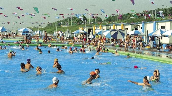 Ilustrasi kolam renang