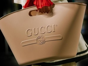 Kisah Pekerja Konstruksi Selamatkan Tas-tas Mahal Gucci dari Penjarahan