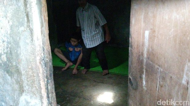 Kisah Pasturi di Kabupaten Bandung Urus Dua Anak Gangguan Jiwa