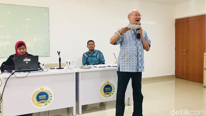 hef kondang William Wongso saat memberikan paparan mengenai diplomasi kuliner Indonesia di Pusdiklat Kemlu (Foto: M Aji Surya/detikcom)