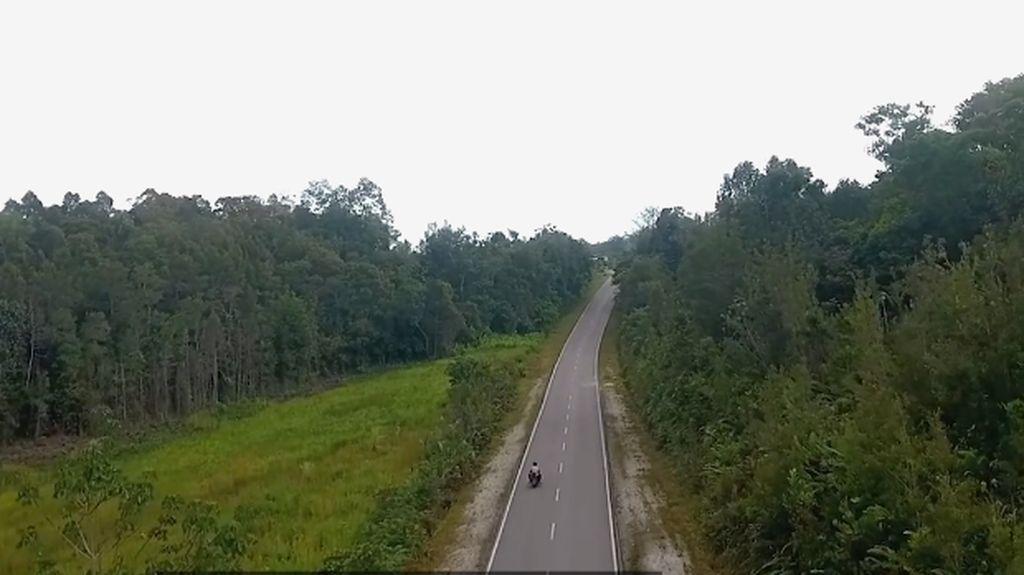 Jalan Perbatasan di Kalimantan, Dulu Rusak Sekarang Mulus