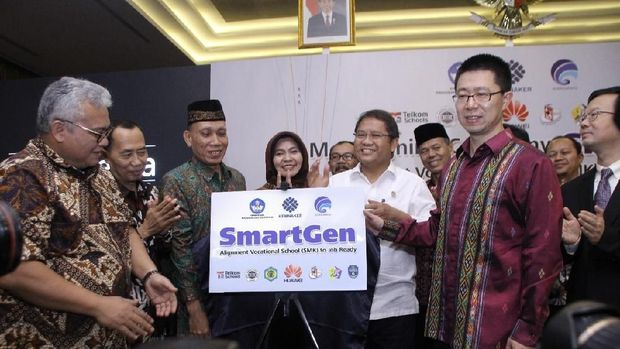 Seribu Siswa SMK Indonesia Dilatih Pasang BTS