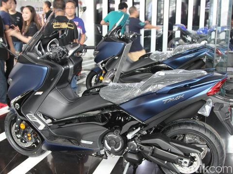 Yamaha TMAX DX Mulai Dikirim ke Tangan Konsumen