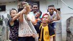Ini Edy, Sang Penakluk King Cobra Raksasa dari Kalimantan