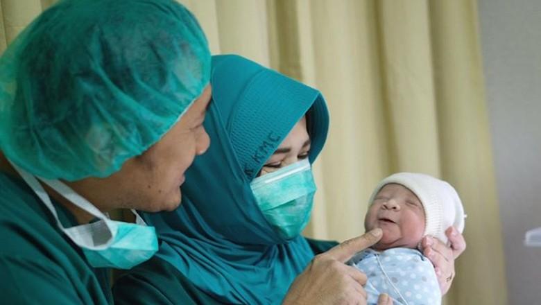 Ini tentang Sunat Saat Bayi Seperti Anak Zaskia Mecca/ Foto: Instagram/ Istimewa