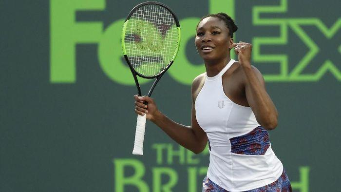 venus Williams memenangi pertandingan melawan Natalia Vikhlyantseva di babak kedua Miami Masters (Foto: Geoff Burke-USA TODAY Sports)