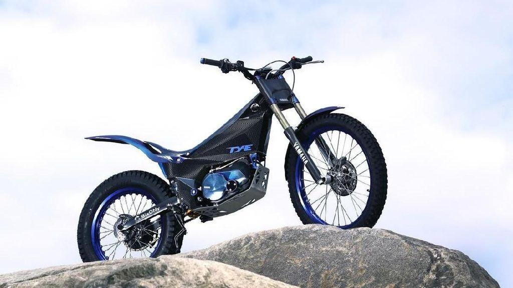 Motor Listrik Yamaha Ini Tak Punya Jok, Gimana Duduknya?