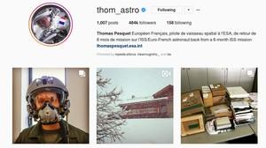 Instagram Ini Penuh Cerita dari Luar Angkasa