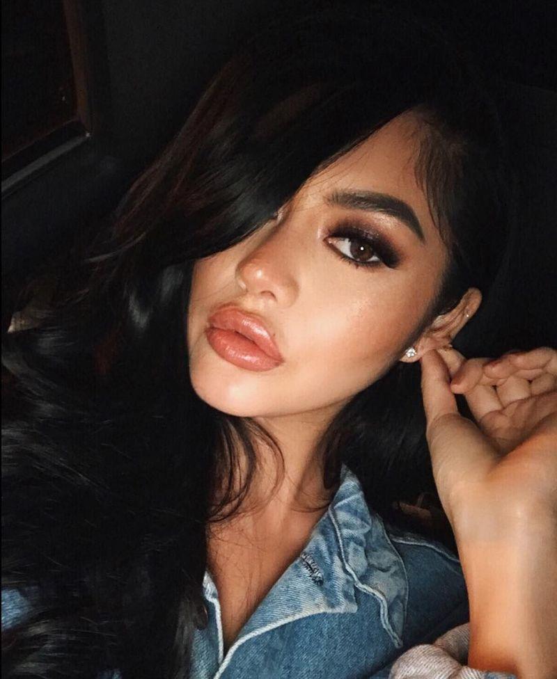 Wanita yang telah keliling Asia sejak 2012 ini lahir di Garden Grove, California, dengan ayah berdarah Prancis dan ibu, Vietnam (kimlee/Instagram)