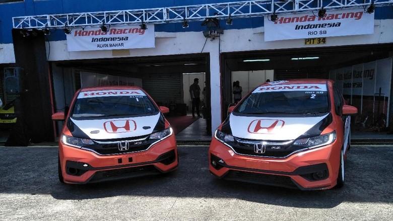 Mobil balap Honda Jazz (Foto: Ruly Kurniawan)