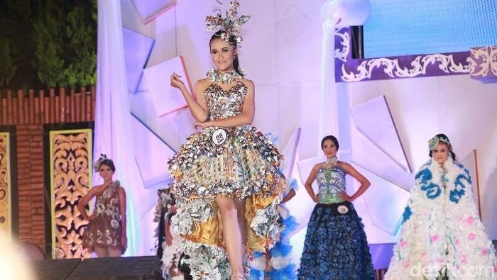 Green & Recycle Fashion menginspirasi Indah Kalalo (Foto: Ardian Fanani)