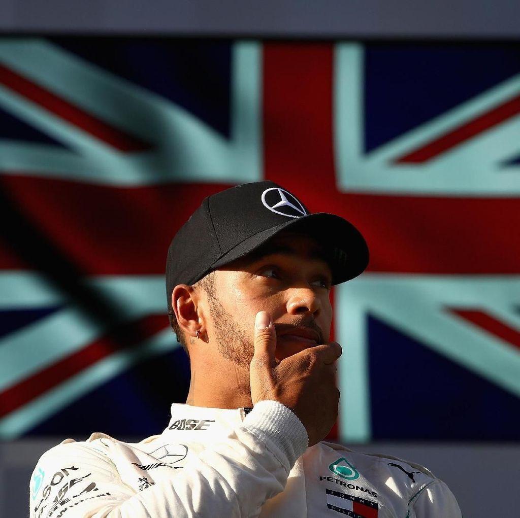 Mungkinkah Lewis Hamilton Pindah Jalur ke Balap Motor?