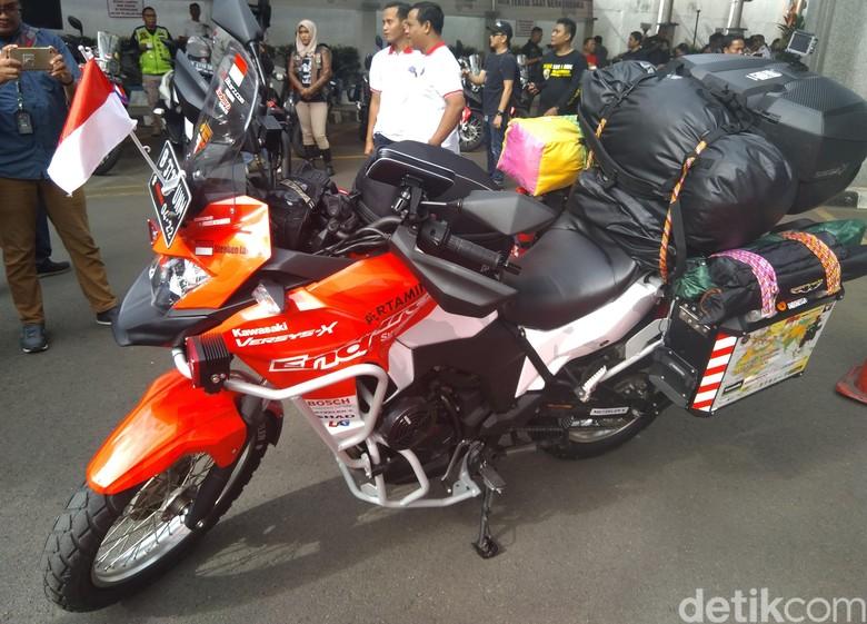 Motor yang menemani Stephen Langitan Touring Jakarta-London. Foto: Muhammad Taufiqqurrahman