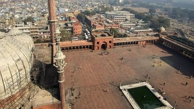 Masjid Jama yang jadi peninggalan Kerajaan Mughal