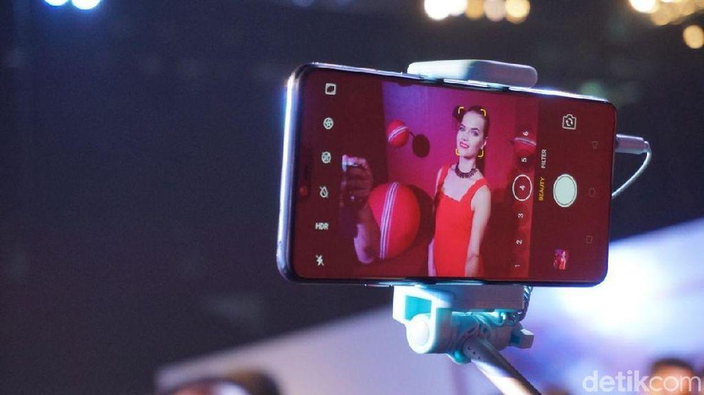 Kamera Selfie Pintar Tak Cuma Poles Muka