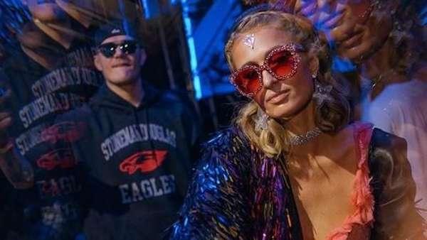 Keseruan Pesta yang Membuat Cincin Rp 27 M Paris Hilton Nyaris Hilang