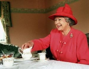 Begini Cara Makan Scone yang Benar Menurut Ratu Elizabeth II