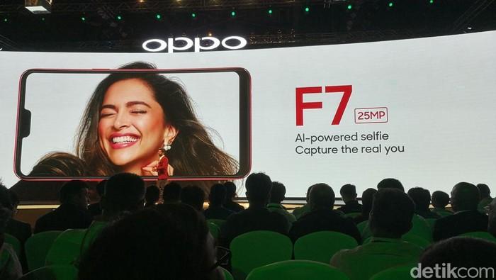 Suasana peluncuran Oppo F7 dan F7 128. Foto: detikINET/Muhammad Alif Goenawan
