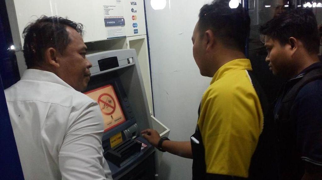 Fakta di Balik Ramyadjie Punya Mesin ATM di Kamar yang Bikin Heboh