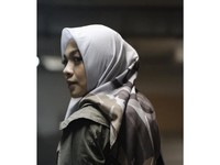 1. Memilih Hijab Segi Empat