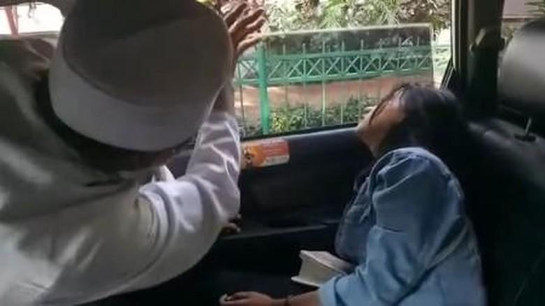 Driver Grab Ungkap Detail Cerita Penumpang Kesurupan yang Viral