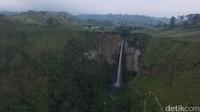 Air terjun ini berada di Desa Tongging, Kecamatan Merek, Kabupaten Karo, Sumatra Utara. (Okta Marfianto/detikTravel)