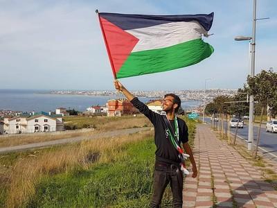 Perjuangan Benjamin Jalan Kaki dari Swedia untuk Palestina