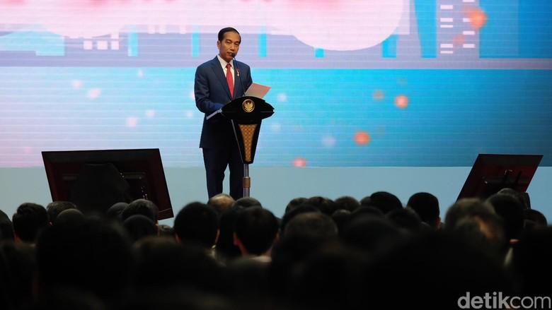 Jokowi Sindir #2019GantiPresiden: Masak Kaus Bisa Ganti Presiden?