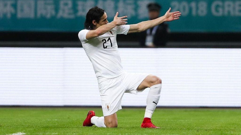 Suarez Sudah, Cavani Masih Memburu Gol